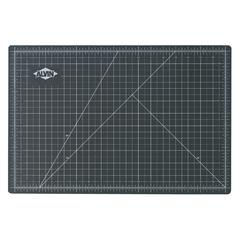 "18"" x 24"" Green/Black Professional Self-Healing Cutting Mat"