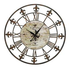 Metal Clock To Track The Time In Style
