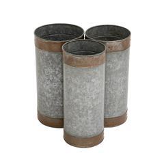 Attractive Styled Metal Galvanized Planter