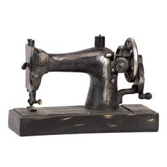 Benzara Dazzling Piece Of Old Resin Sewing Machine