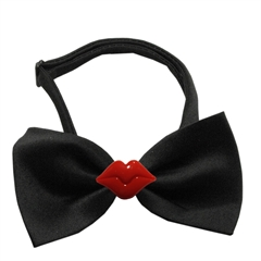 Mirage Pet Products Kissy Kissy Chipper Black Bow Tie