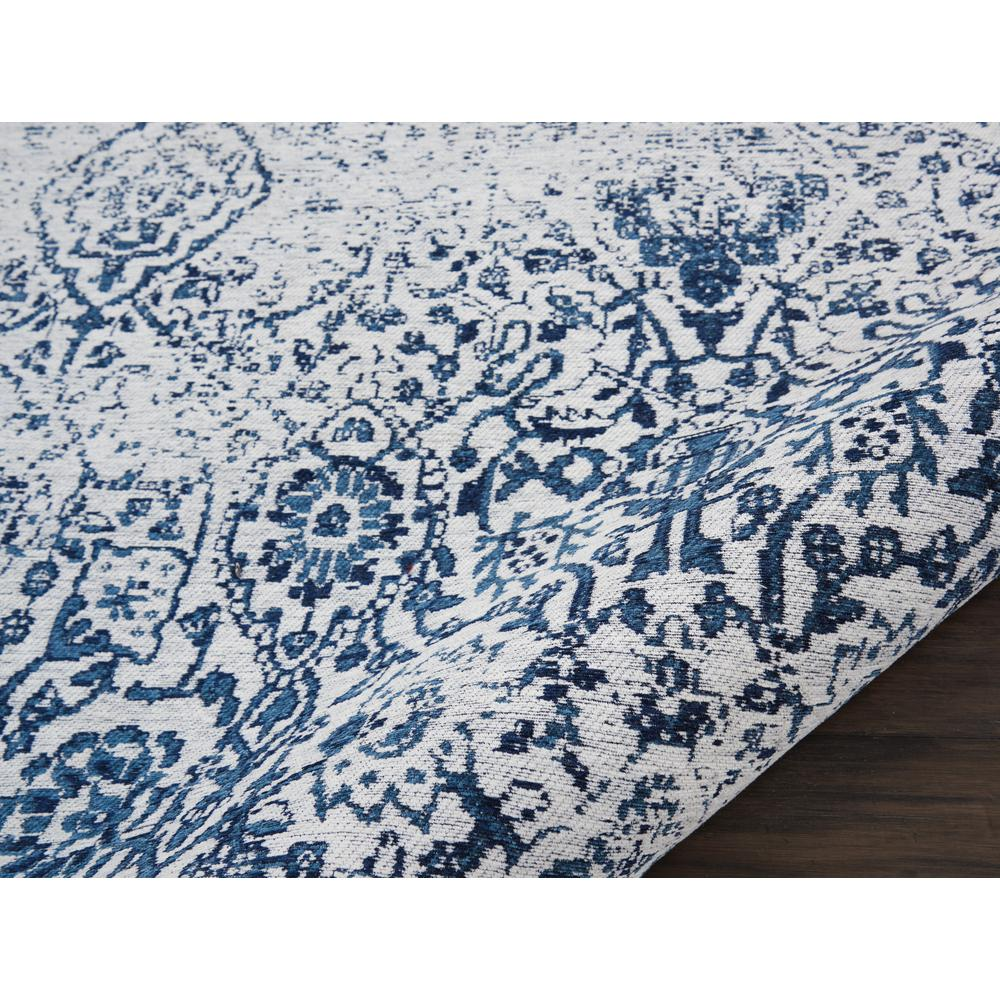 Damask Area Rug, Ivory/Navy, 5' x 7'. Picture 3