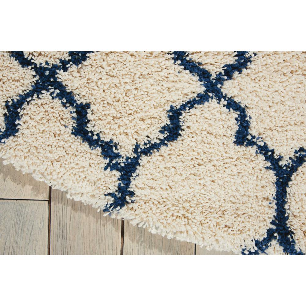 """Amore Area Rug, Ivory/Blue, 7'10"""" x ROUND. Picture 4"""
