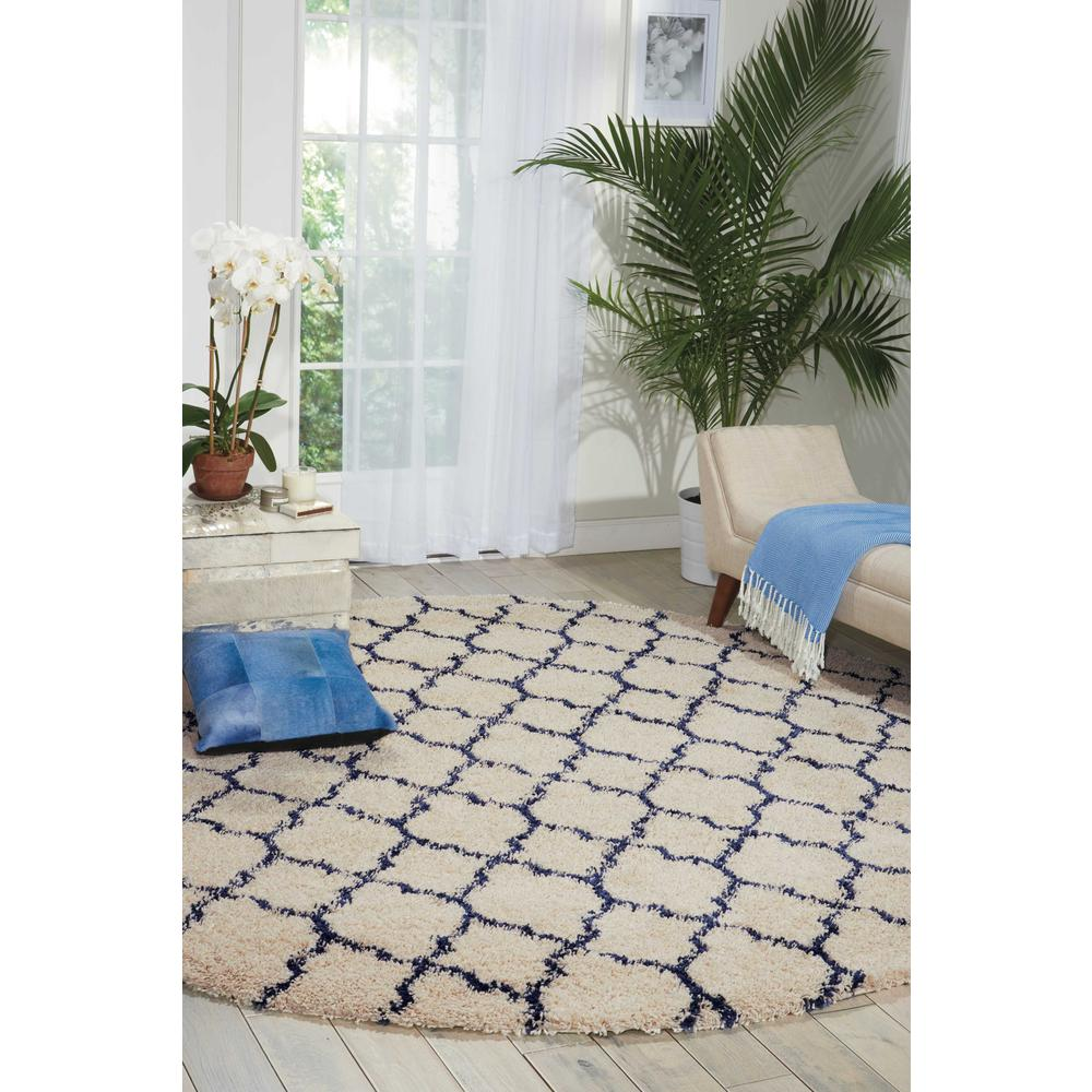 """Amore Area Rug, Ivory/Blue, 7'10"""" x ROUND. Picture 3"""