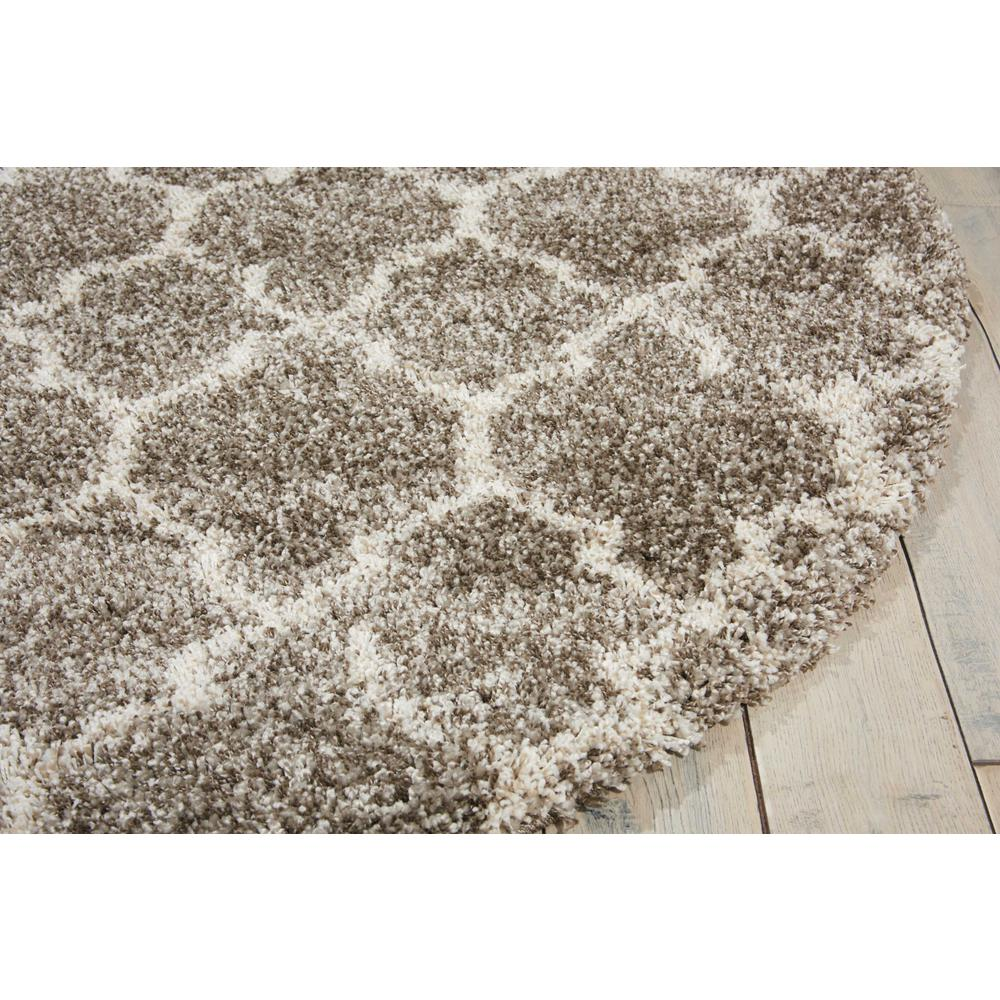 """Amore Area Rug, Stone, 6'7"""" x ROUND. Picture 5"""