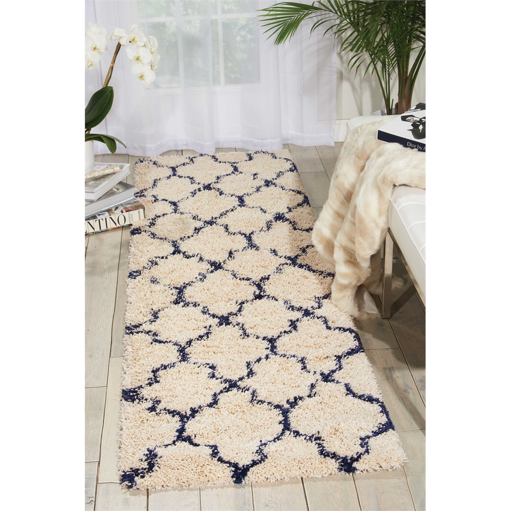 """Amore Area Rug, Ivory/Blue, 2'2"""" x 7'6"""". Picture 6"""