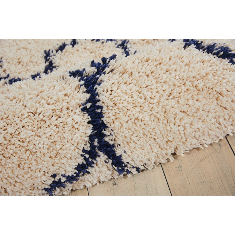 """Amore Area Rug, Ivory/Blue, 2'2"""" x 7'6"""". Picture 7"""