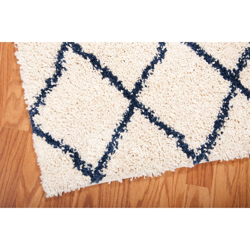 Brisbane Area Rug, Ivory/Blue, 5' x 7'. Picture 1