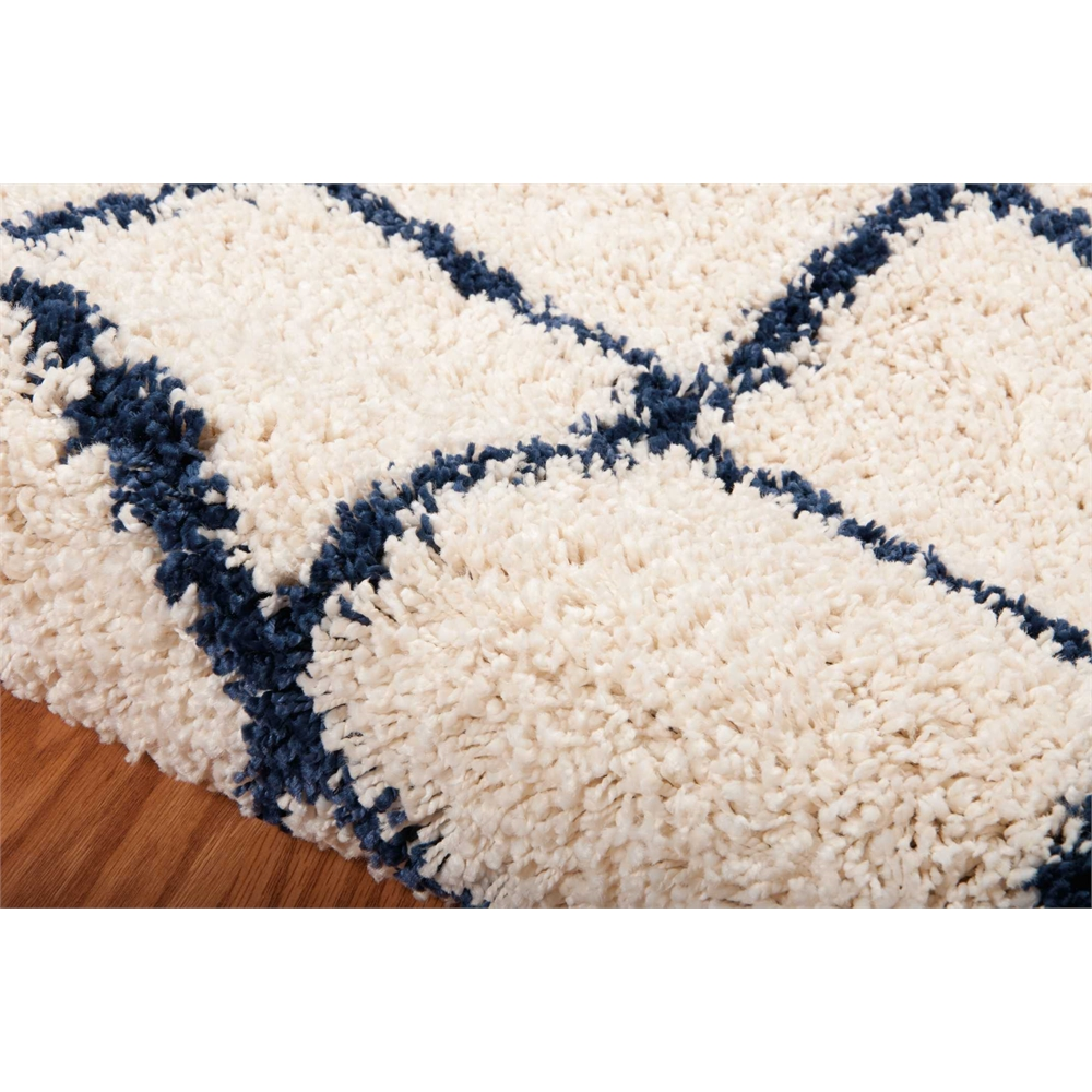 Brisbane Area Rug, Ivory/Blue, 5' x 7'. Picture 4