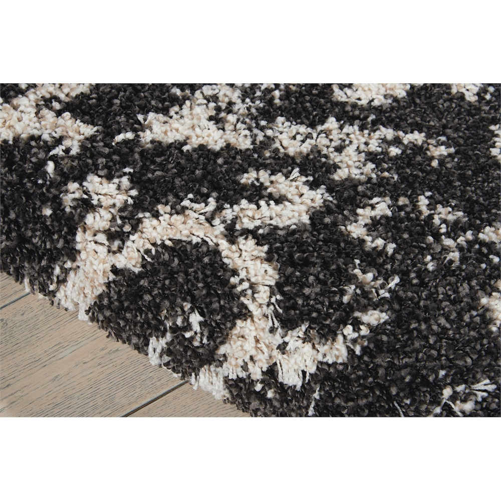 Brisbane Black/White Shag Area Rug. Picture 4