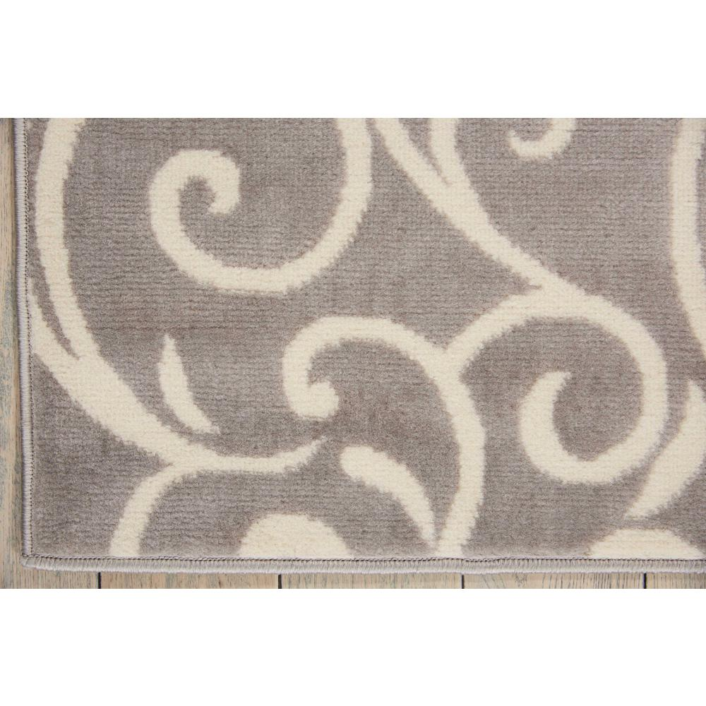 "Grafix Area Rug, Grey, 5'3"" x 7'3"". Picture 4"