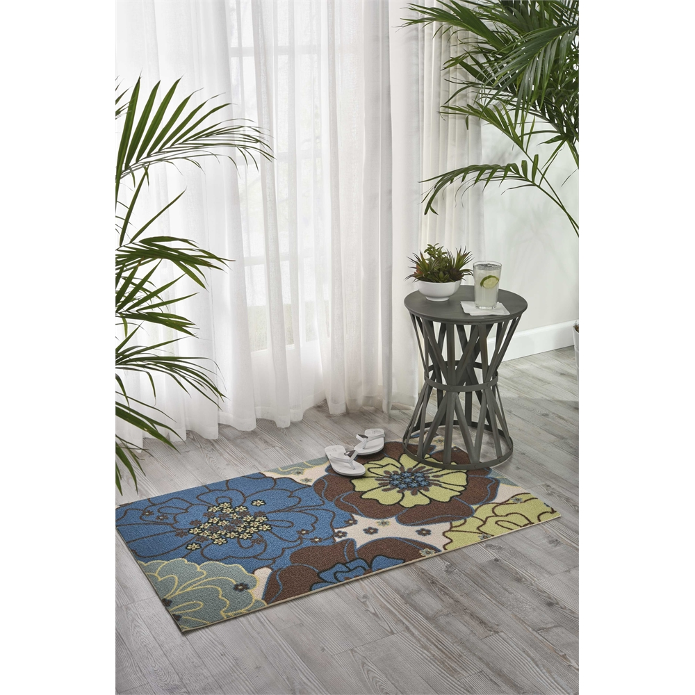 "Home & Garden Area Rug, Light Blue, 2'3"" x 3'9"". Picture 6"