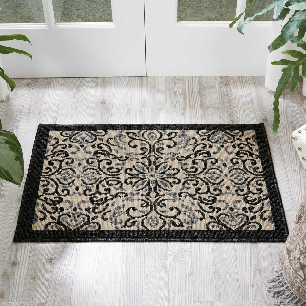 """Caribbean Area Rug, Ivory/Charcoal, 1'9"""" x 2'9"""". Picture 4"""