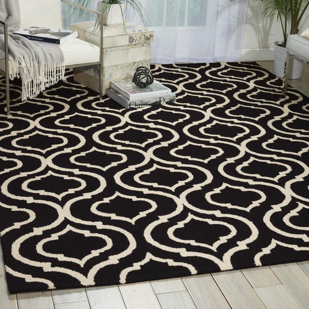 "Linear Area Rug, Black/White, 3'9"" x 5'9"". Picture 2"