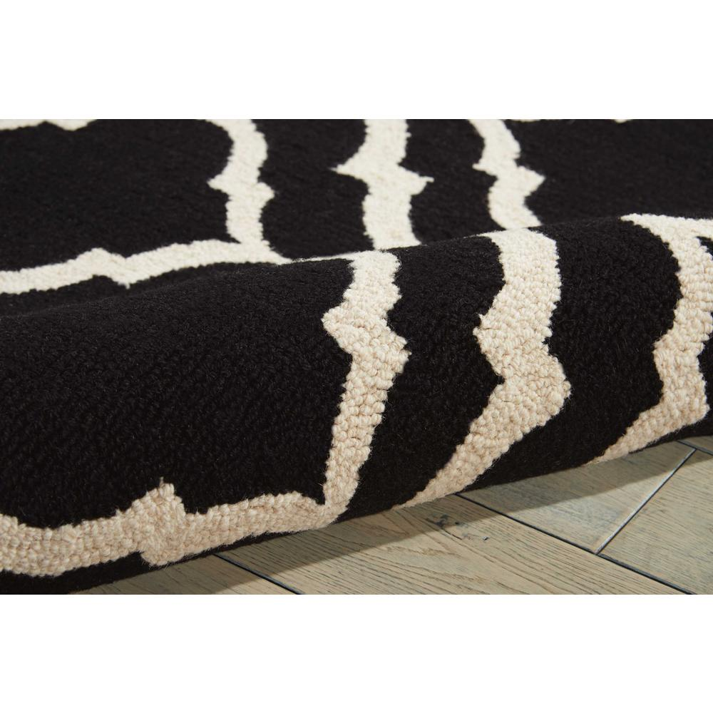"Linear Area Rug, Black/White, 3'9"" x 5'9"". Picture 7"