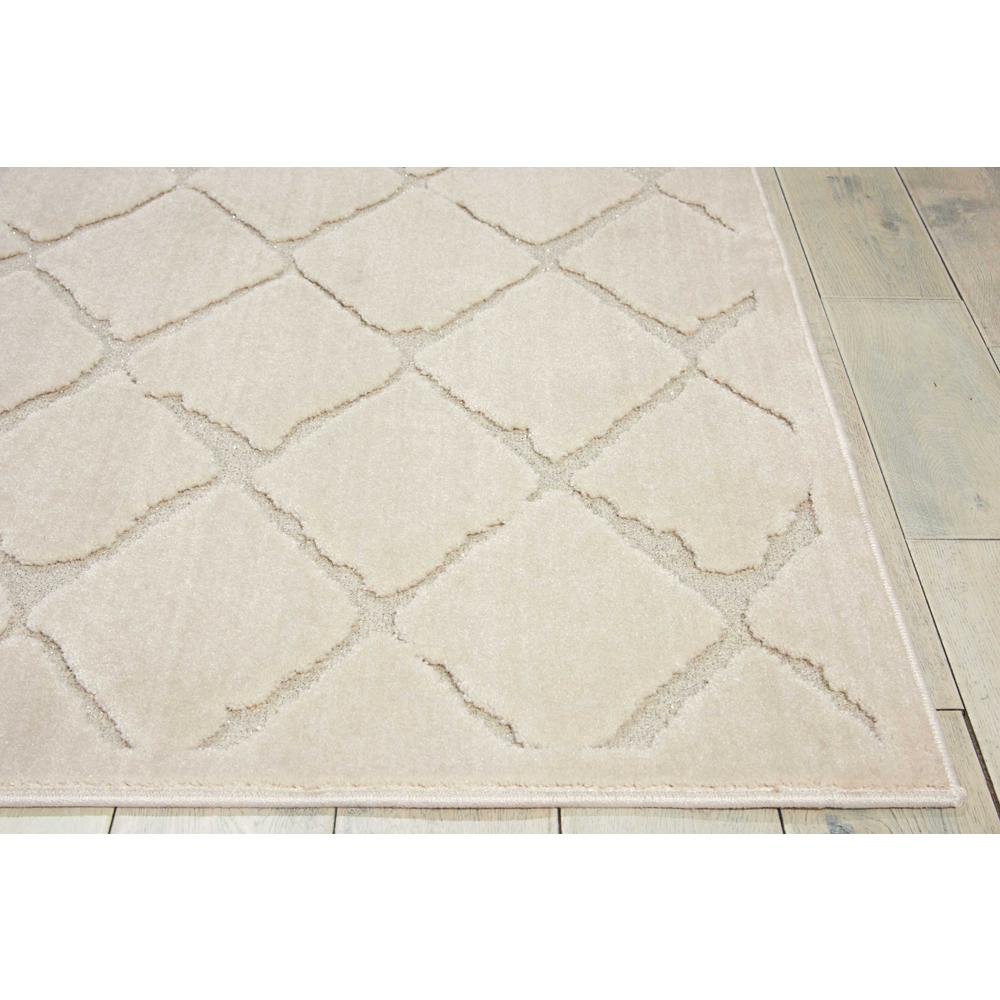 "Gleam Area Rug, Ivory, 3'10"" x 5'10"". Picture 3"