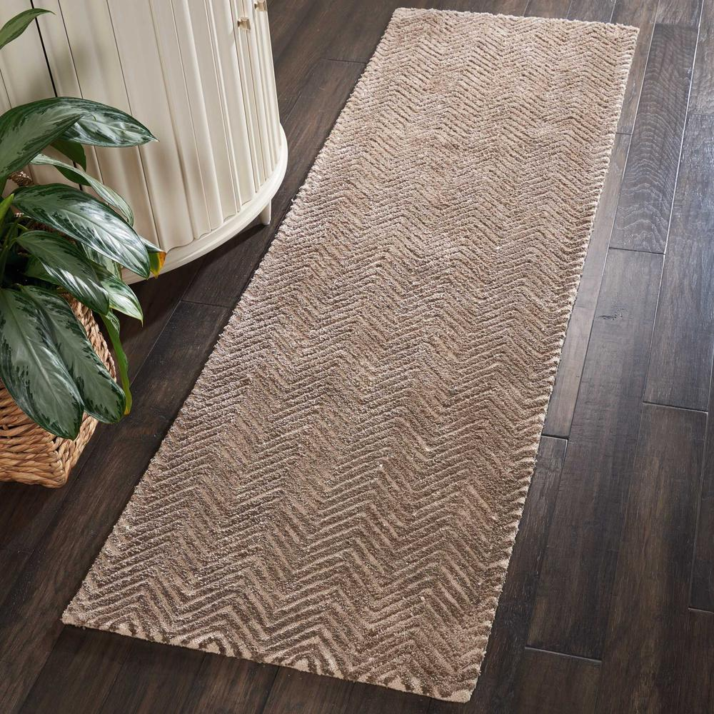 """Modern Deco Area Rug, Taupe, 2'3"""" x 7'6"""". Picture 2"""