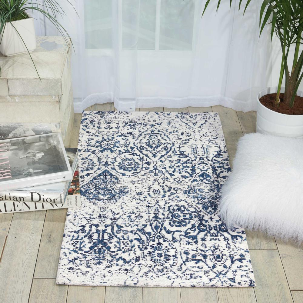 """Damask Area Rug, Ivory/Navy, 2'3"""" x 3'9"""". Picture 4"""