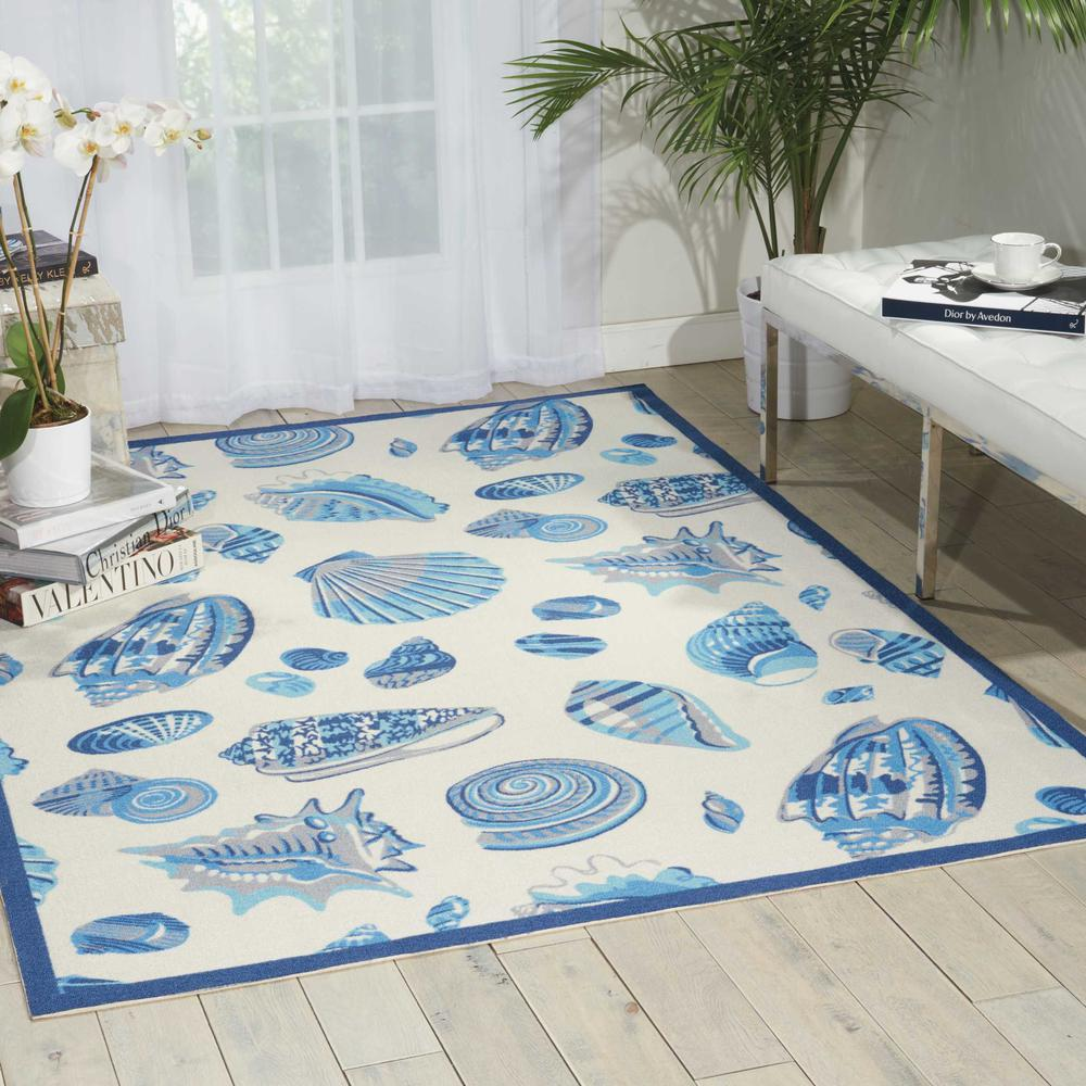 """Sun N Shade Area Rug, Ivory, 5'3"""" x 7'5"""". Picture 2"""