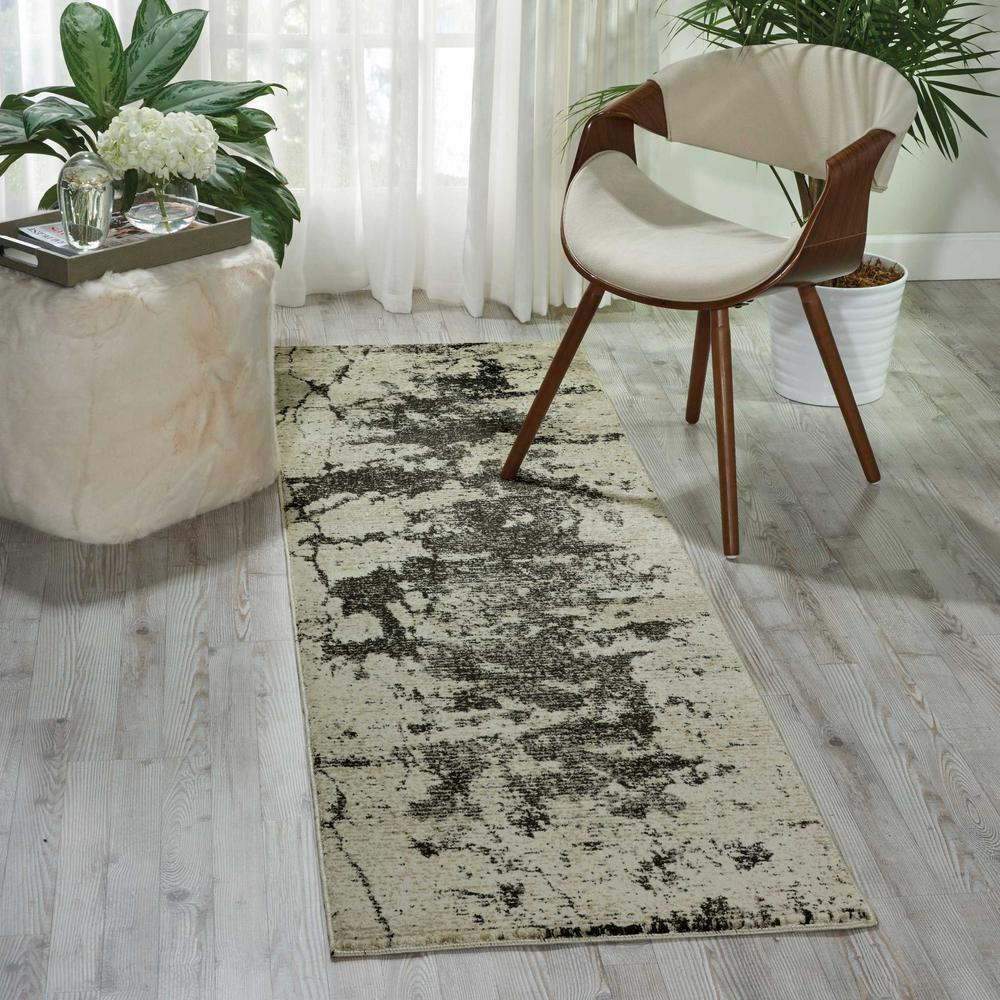 """Maxell Area Rug, Ivory/Grey, 2'2"""" x 7'6"""". Picture 4"""