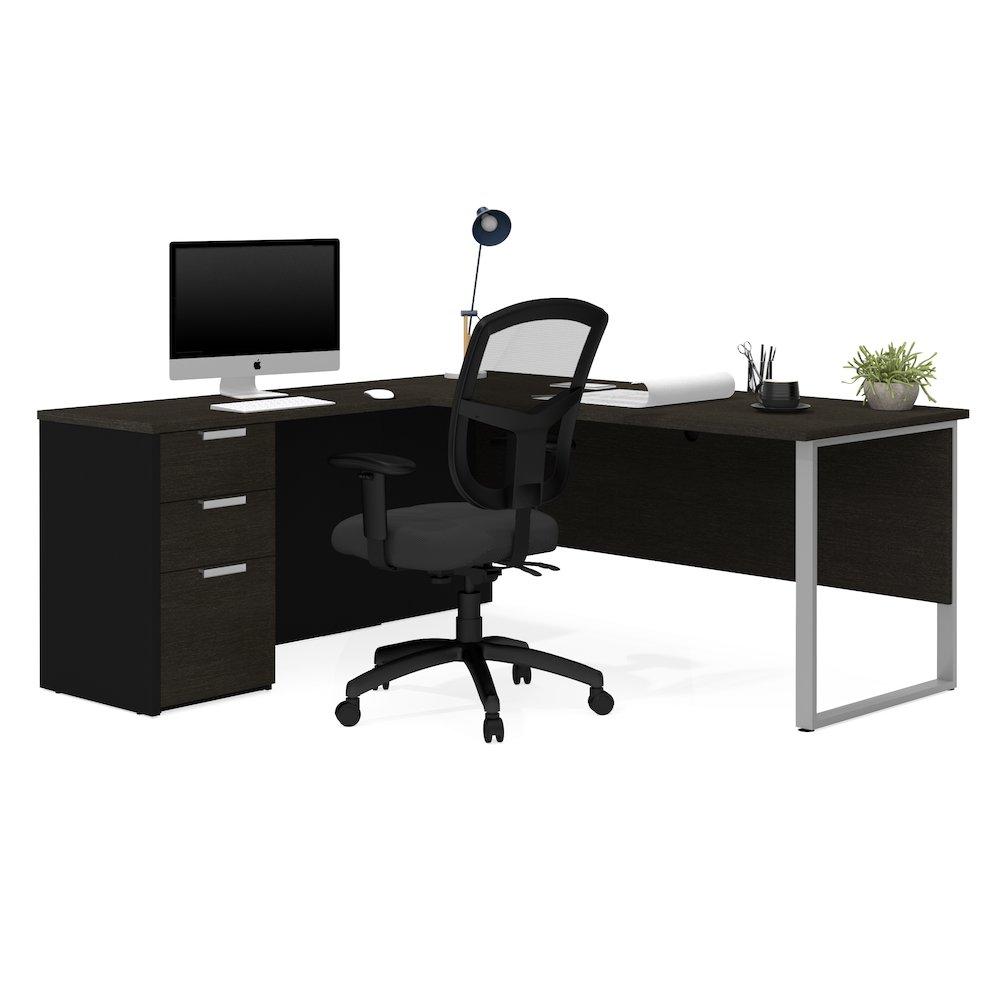 Pro-Concept Plus L-Desk with Metal Leg in Deep Grey & Black. Picture 1