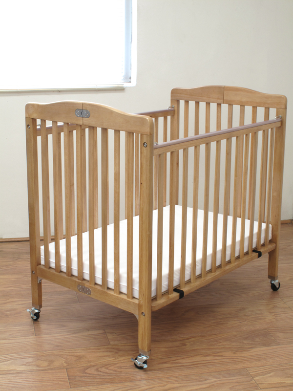 The Little Wood Crib – Natural, Natural. Picture 1