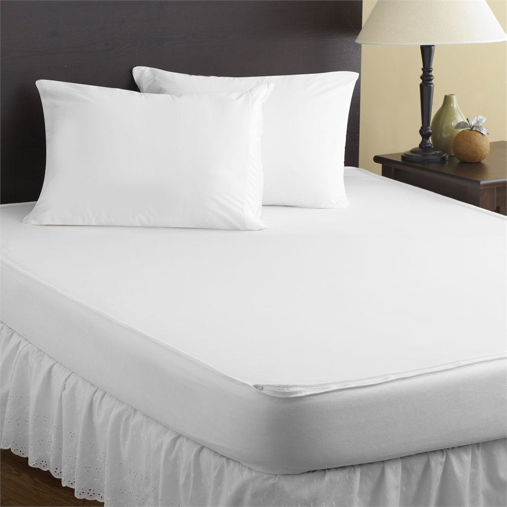 Total Encasement Mattress Protector Full White