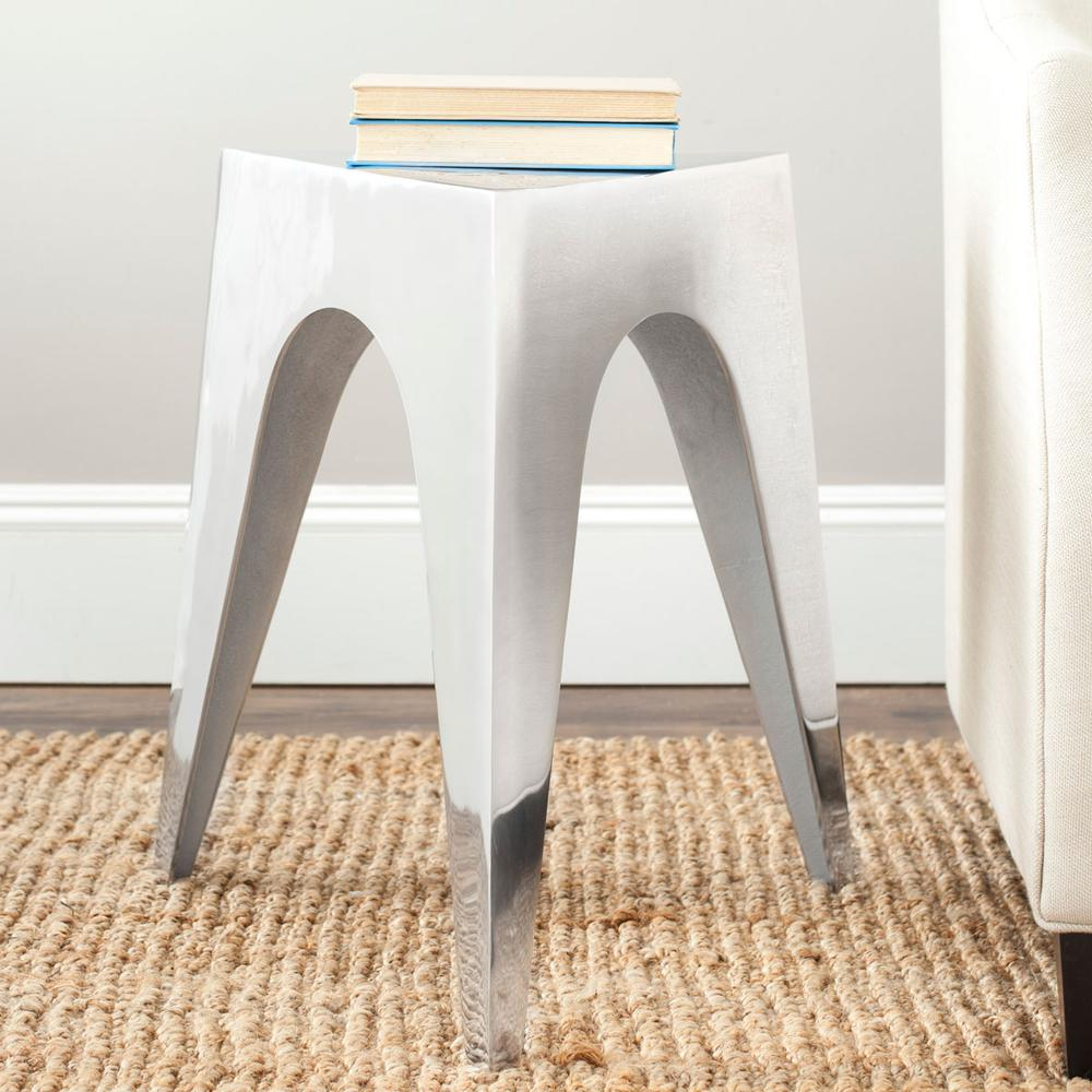 INDIUM TRIANGLE ALUMINUM SIDE TABLE. Picture 1