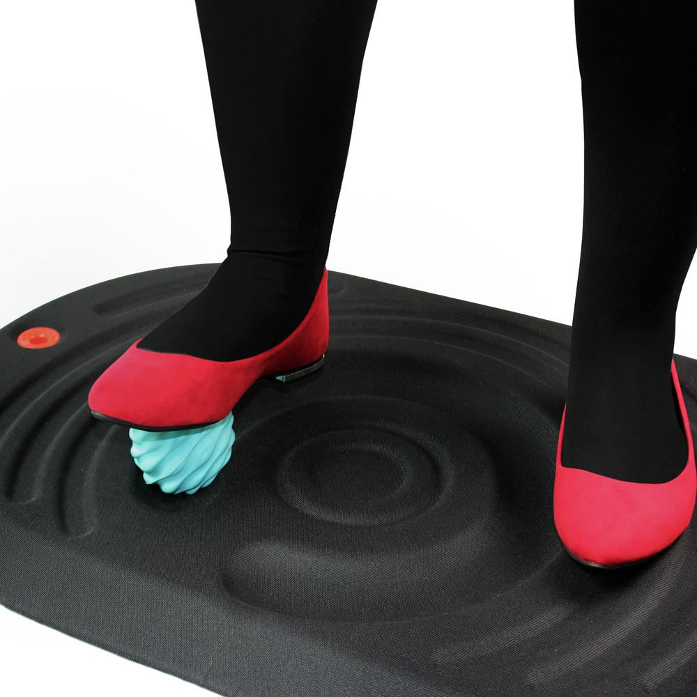 Active Standing Platform with Foot Roller Balls. Picture 4