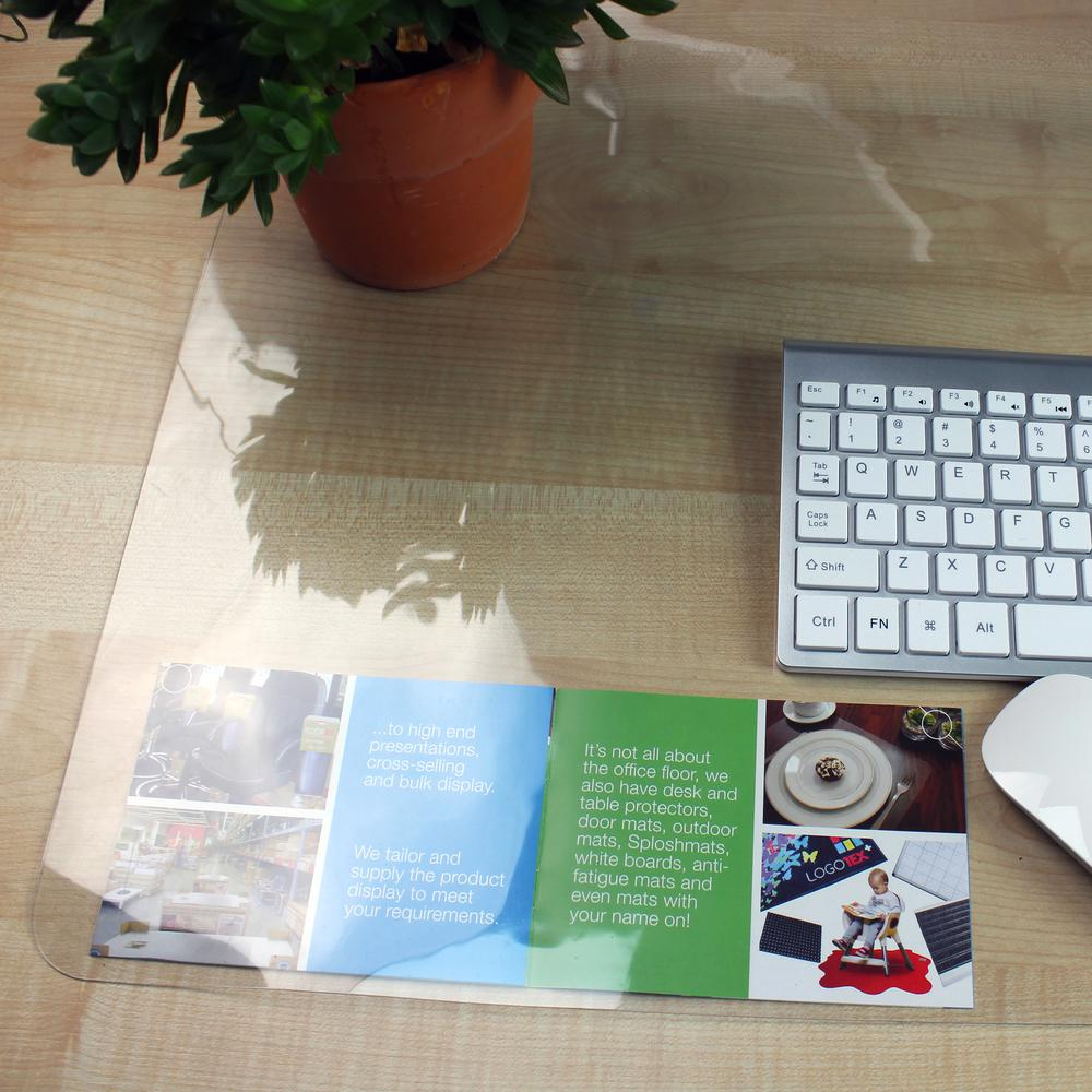 """Pack of 4 Crystal Clear Vinyl Rectangular Desk Pads - 17"""" x 22"""". Picture 1"""