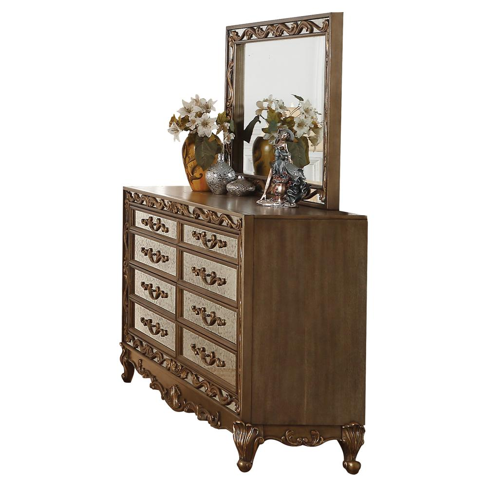 Orianne Dresser, Antique Gold. Picture 1