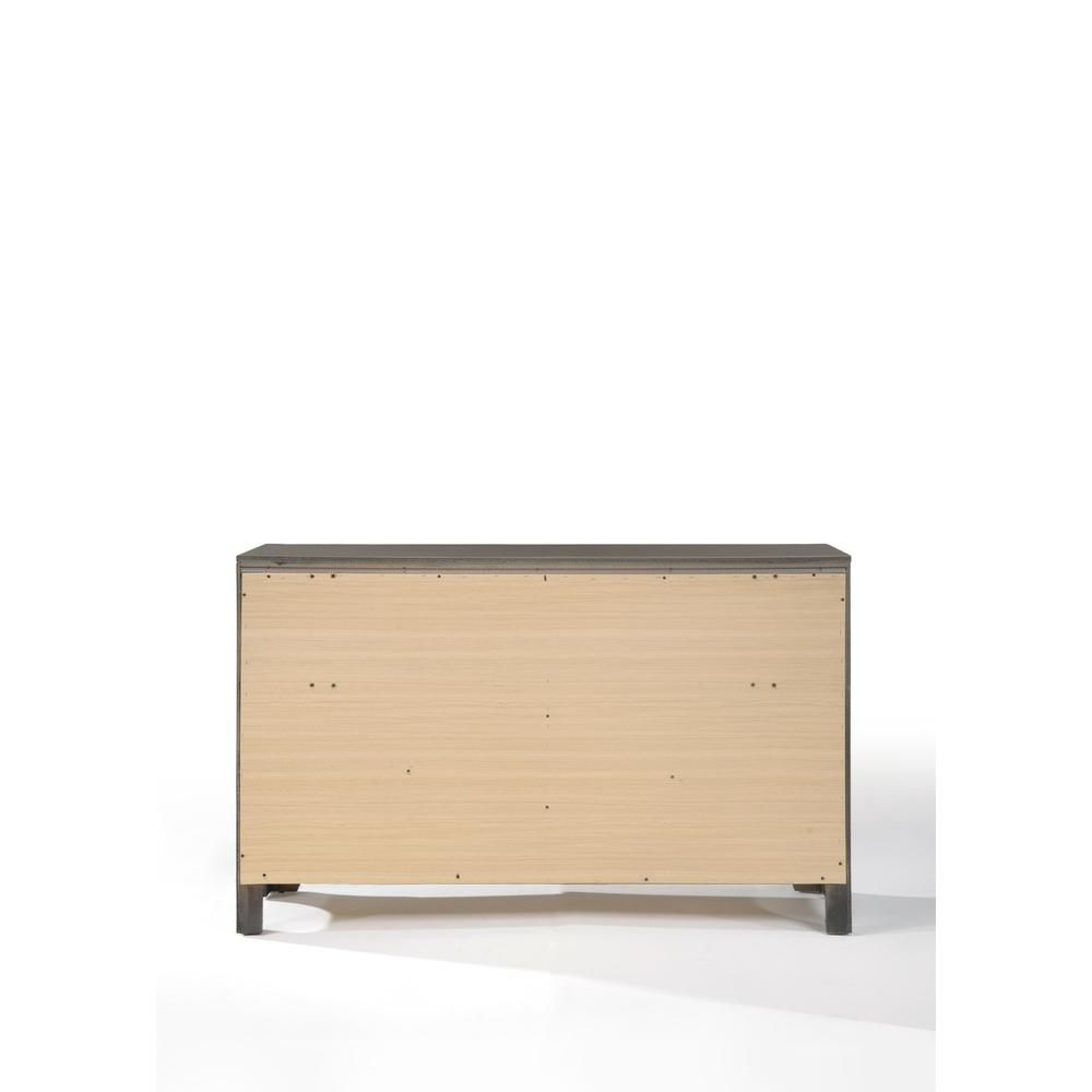 Carine Dresser, Gray. Picture 4