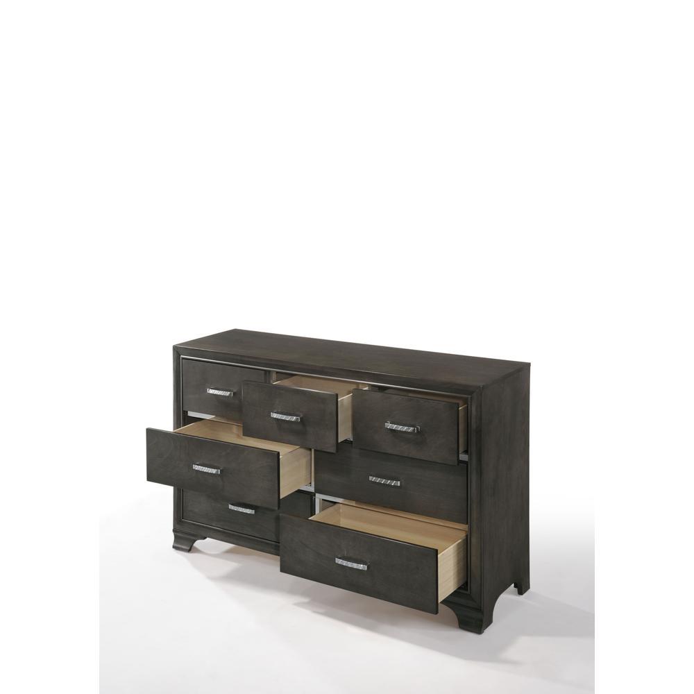 Carine Dresser, Gray. Picture 6