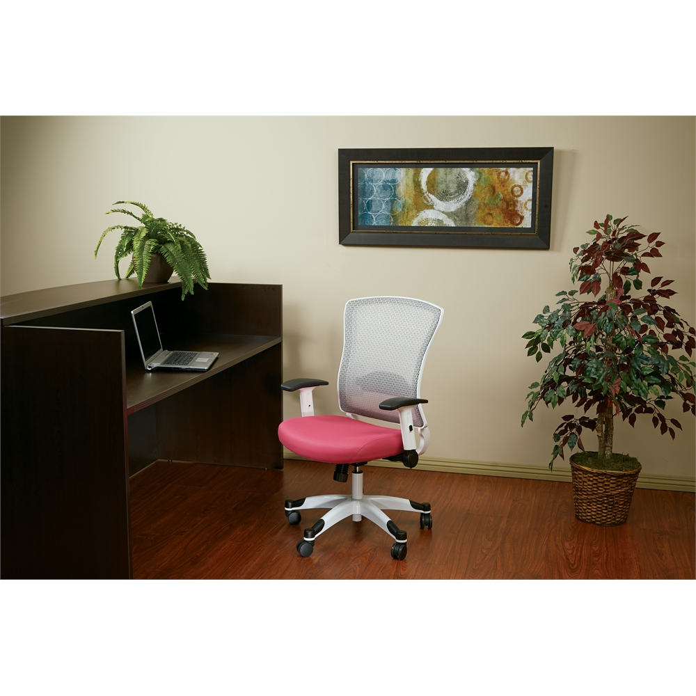White Frame Managers Chair. Picture 4