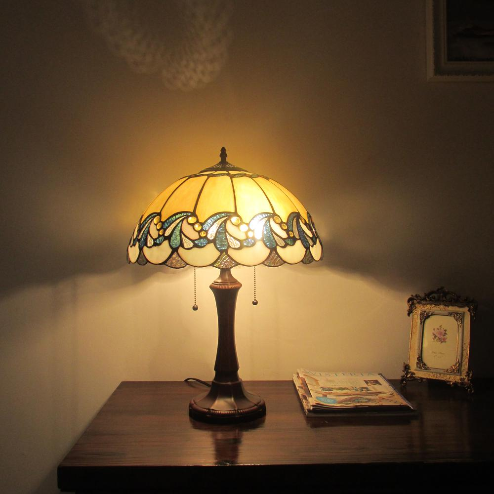 """EFFIE Tiffany-style 2 Light Victorian Table Lamp 16"""" Shade. Picture 2"""
