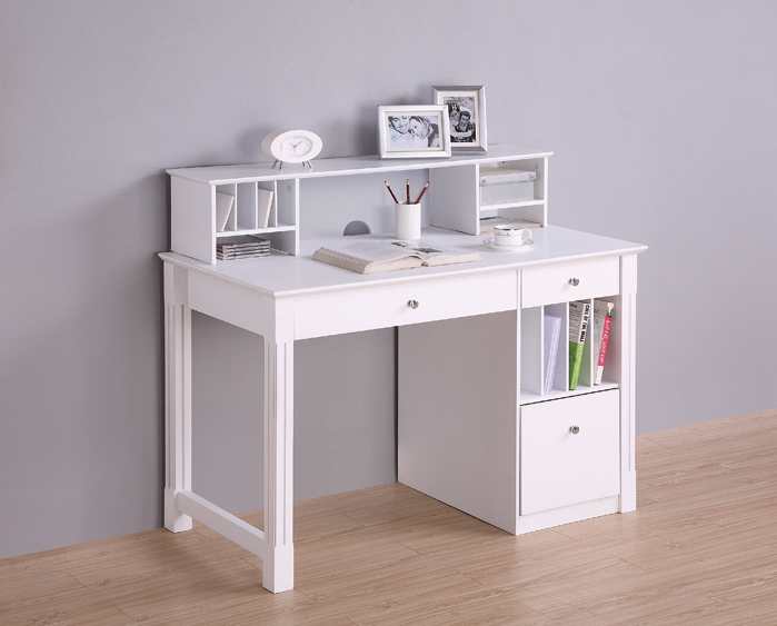 Deluxe White Wood Computer Desk with Hutch. Picture 2