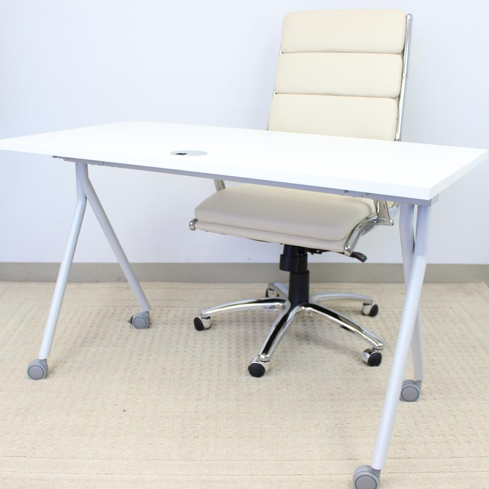 """36"""" Folding Table, White. Picture 1"""