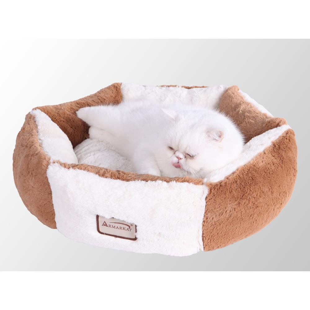 Armarkat Pet Bed Model C02NZS/MB        Earth Brown and Ivory. Picture 1