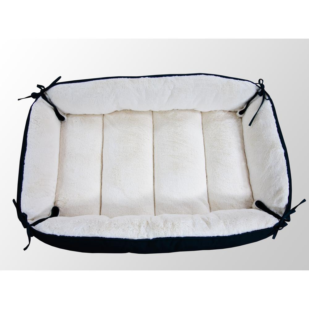 Armarkat Model D04HML/MB-L Large Laurel Green & Ivory Pet Bed and Mat. Picture 1