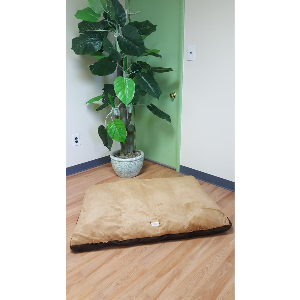 Armarkat Model M05HKF/ZS-M Medium Pet Bed Mat with Poly Fill Cushion in Mocha & Earth Brown. Picture 1
