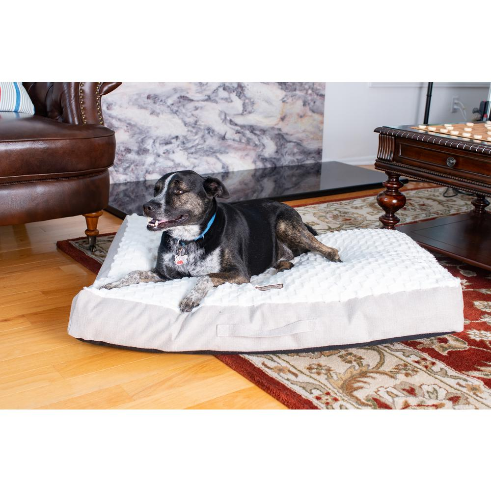 Armarkat Mat Model M12HMB/MB-L Large With Handle, Dog Crate Mat with Poly Fill Cushion & Removable Cover. Picture 2