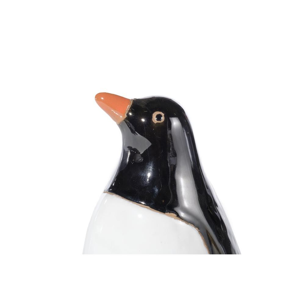 Small Ceramic Penguin. Picture 1