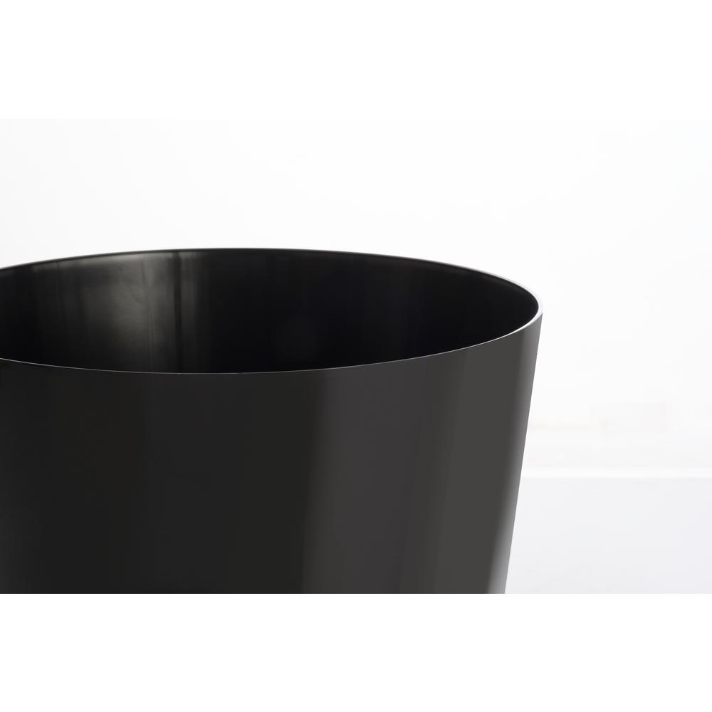 """11.75"""" Rd. Mey Pot with intergrated and removable wheels in Shiny Black. Picture 2"""