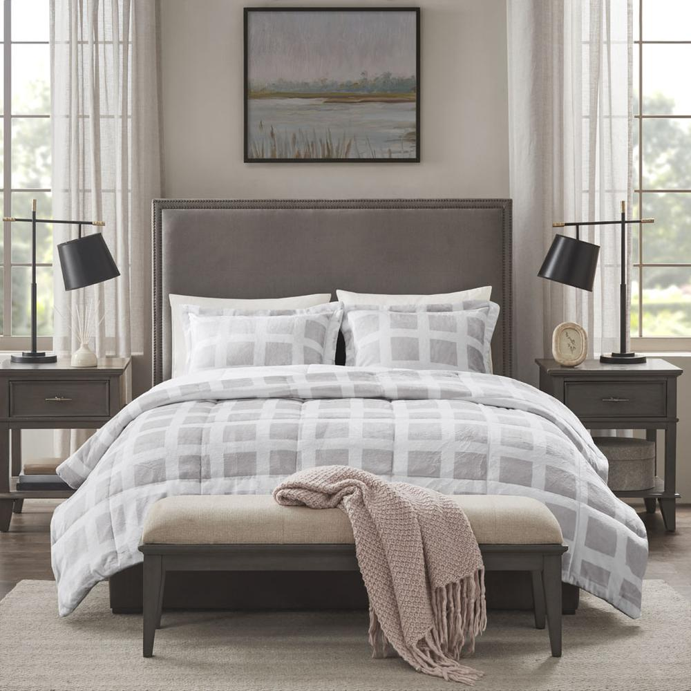 100% Polyester Mae Reversible Comforter Set,MP10-6666. Picture 1