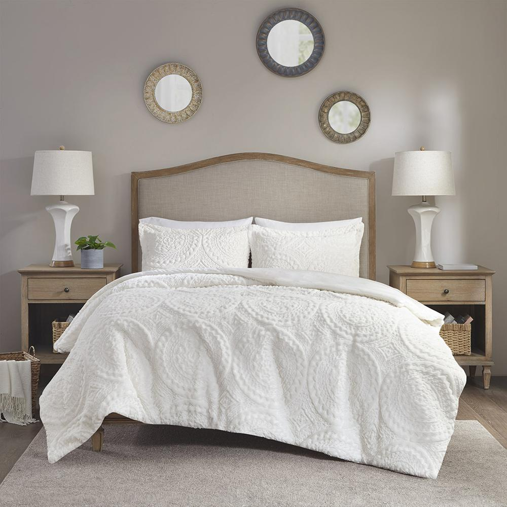 100% Polyester Embroidered Medallion Long Fur to Mink Comforter Set,MP10-5057. Picture 1