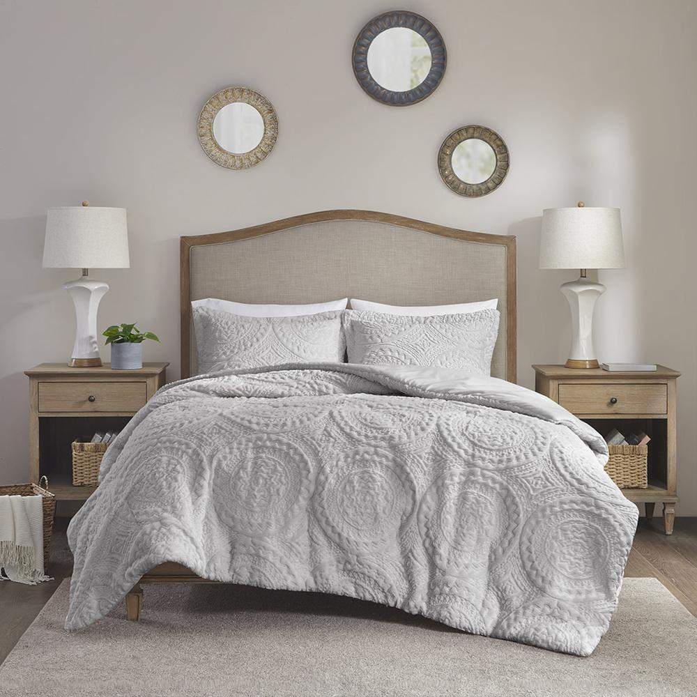 100% Polyester Embroidered Medallion Long Fur to Mink Comforter Set,MP10-6012. Picture 1
