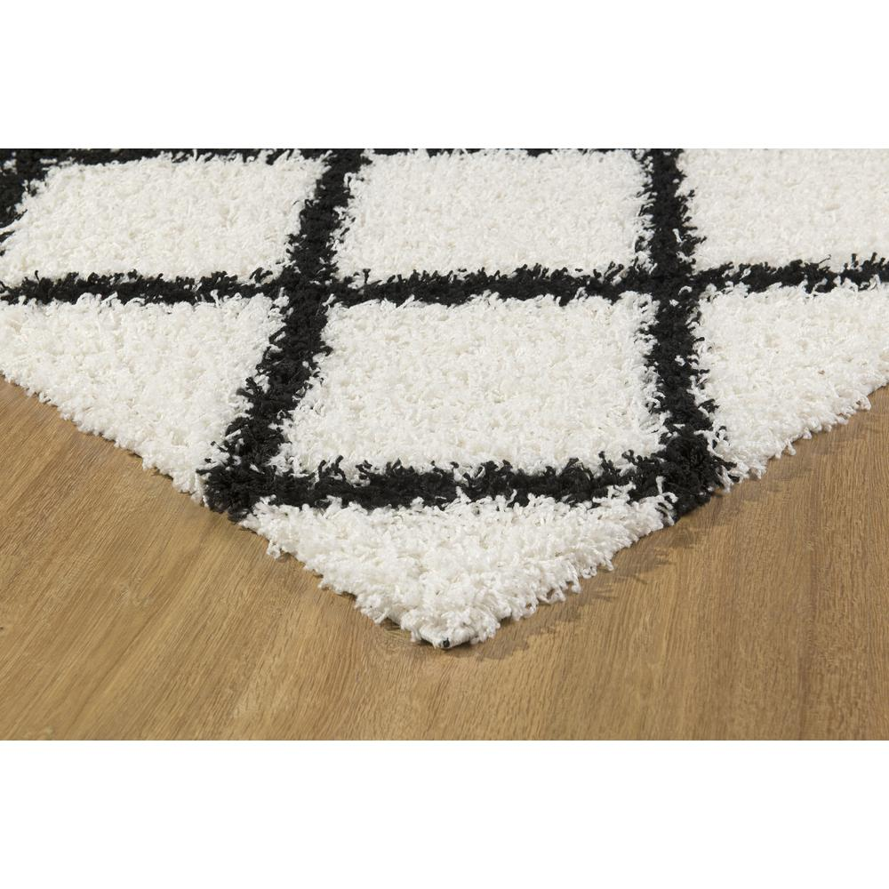 L'Baiet Halle White Shag 5' x 7' Rug. Picture 5