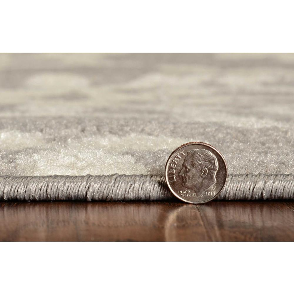 5'x8' Grey Ivory Floral Machine Woven Polypropylene Area Rug - 375383. Picture 3