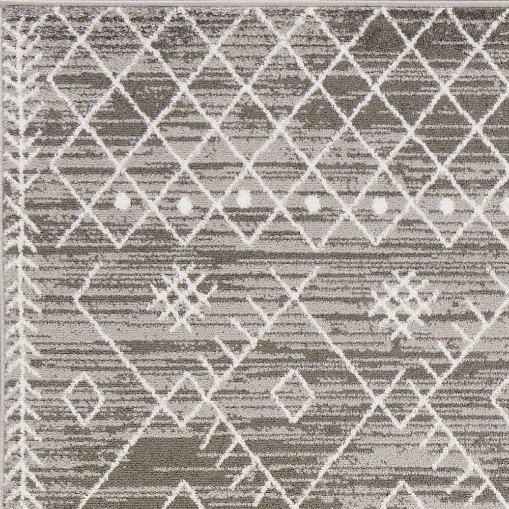 5' x 8' Gray And White Boho Geometric Area Rug - 375387. Picture 1