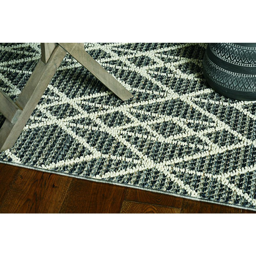 5'x8' Grey Machine Woven UV Treated Geometric Indoor Outdoor Area Rug - 375554. Picture 1